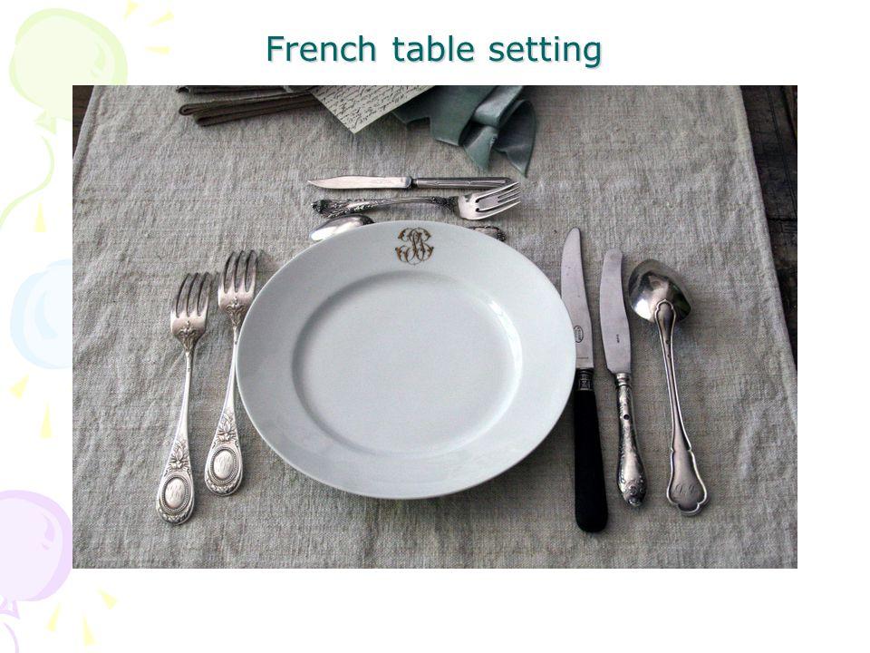 ส้อมหอยโข่ง (Escargot fork) ที่คีบหอยโข่ง (Escargot clamps) ที่คีบน้ำตาล (Sugar tongs) ที่คีบน้ำแข็ง (Serving or ice tongs) ส้อมสำหรับเสิร์ฟ (Serving fork) ช้อนสำหรับเสิร์ฟ (Slotted serving spoon) ที่ตักเค็กเสิร์ฟ (Cake server) ที่ตัก (Crumber) เครื่องตัดเป็นชุด (Carving set fork, knife, steel)