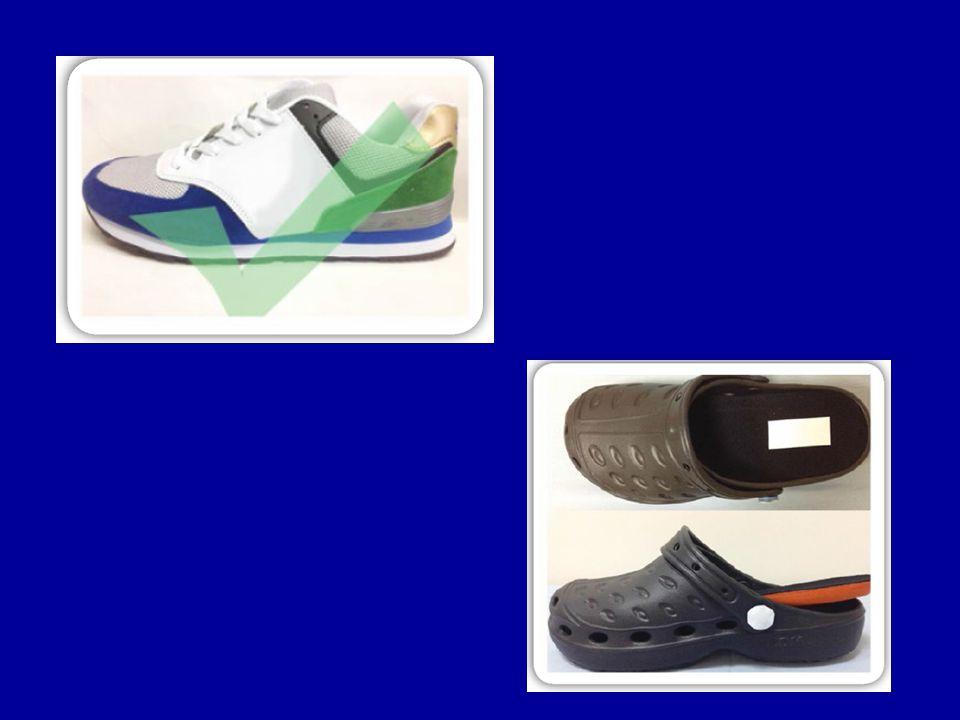 รูปแบบของ รองเท้า ส่วนบนของรองเท้าทำจากวัสดุที่ระบาย อากาศได้ดีและมีความยืดหยุ่นสูง เช่นหนัง หรือผ้า ไม่ควรเป็นพลาสติก ไม่มีตะเข็บแข็งภายในรองเท้า พื้นด้านในมีความนิ่ม ยืดหยุ่น มีความหนา เพียงพอ เข้ารูป กับฝ่าเท้า