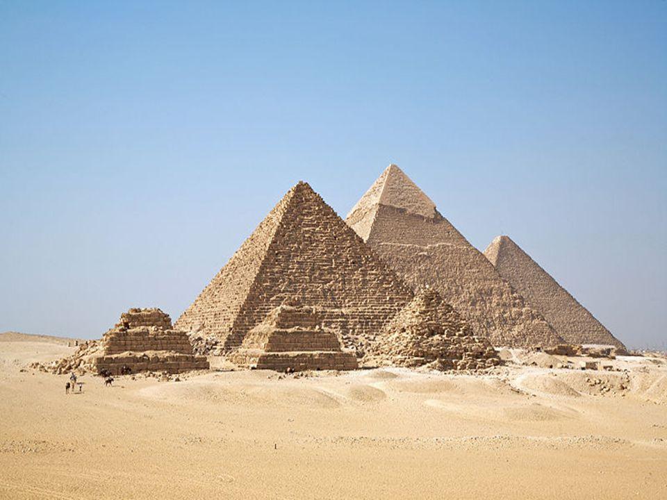 ชาวยิวซึ่งเป็นลูกหลานของอับราฮัม ได้อาศัยและเพิ่ม จำนวนมากอย่างรวดเร็วในดินแดนอียิปต์ จนผู้ปกครองอี ยีปต์วิตกกังวลและต้องการลดจำนวนชาวยิว จึงได้สั่ง สังหารลูกชายของชาวอียิปต์ที่เกิดมา แต่มีครอบครัวหนึ่งที่นำลูกชายไปซ่อนโดยนำใส่ตะกร้า และลอยน้ำไป