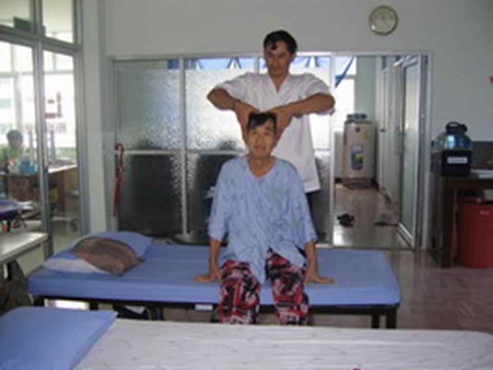 พนักงานนวดแผนไทย จำนวน 10 คน