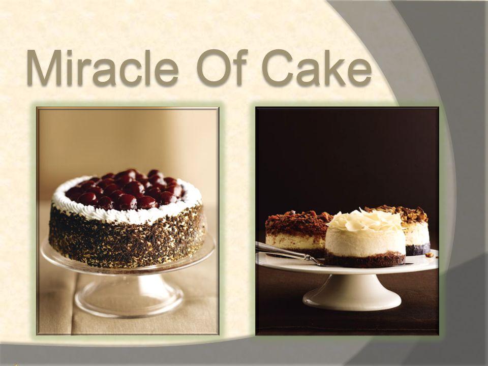 Cake มีรากศัพท์มาจากภาษาของชาว ไวกิ้ง ว่า kaka  ประวัติ เริ่มจากปี 1843 Alfred Bird 1811-1878 นักเคมีชาว อังกฤษ ได้ค้นพบ ผงฟู หรือ baking powder ทำให้ เขาสามารถทำขนมปังชนิดที่ไม่ มียีสต์ให้กับภรรยาของเขาคือ Elizabeth ได้เป็นครั้งแรก เนื่องจากภรรยาของเขานั้น เป็น โรคภูมิแพ้เกี่ยวกับ..