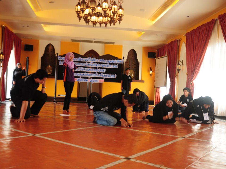 เพียงความแตกต่าง คุณมาตูรีดี มะสาแม เด็กหนุ่มจากจังหวัดปัตตานี เข้าร่วมกิจกรรมหลากหลาย ทั้งในและต่างประเทศ ตัวแทนเยาวชนไทยเข้าร่วม โครงการเรือเยาวชนเอเชียอาคเนย์ ณ ประเทศญี่ปุ่น และ ประเทศอาเซียน นำประสบการณ์ต่าง ๆ มาประยุกต์ใช้กับ งานช่วยเหลือสังคม ทั้งจัดกิจกรรม และถ่ายทอดผ่านสื่อ … มีละครเร่ เป็น อีกหนึ่งสื่อ ที่หวังเพียงจะให้ผู้ชมตระหนักถึงคุณค่า ของตัวของผู้ชมเอง และมองเห็นคุณค่าของผู้อื่น