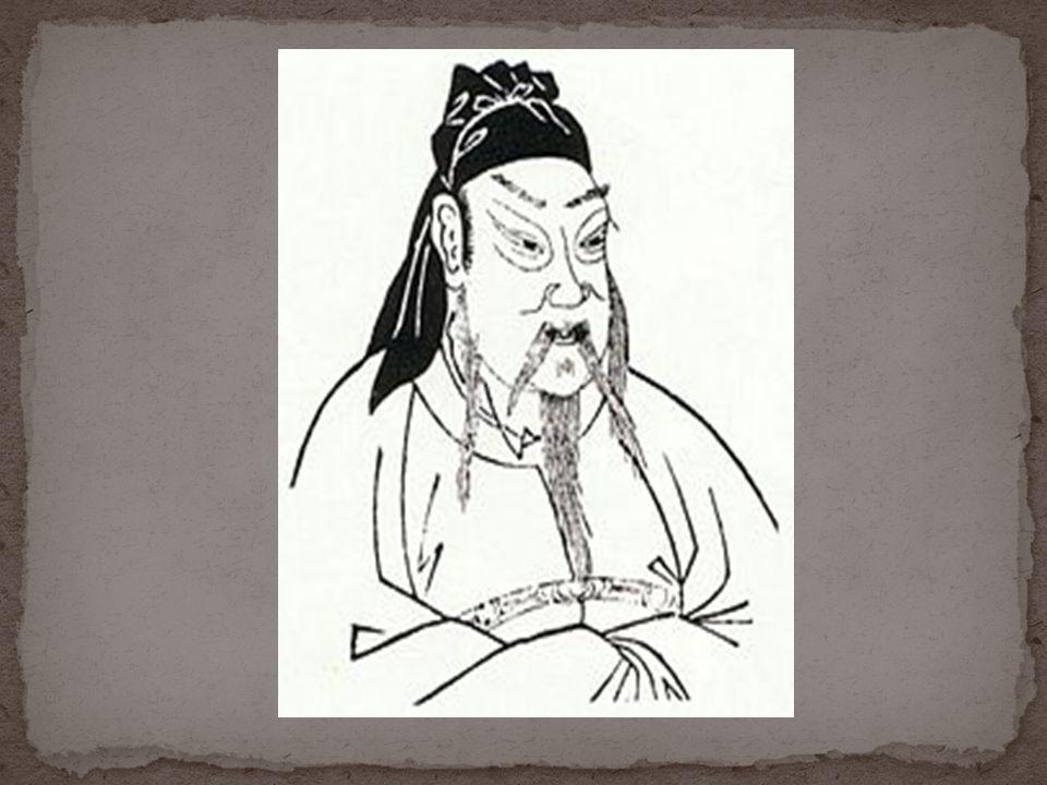 เตียวหุย ทรงเป็นพระอนุชาร่วมสาบานคน สุดท้องของพระเจ้าเล่าปี่และกวนอู โดยการ สาบานที่สวนดอกท้อนั้น กระทำขึ้นที่หลังบ้าน ของเตียวหุยเอง และเป็นเตียวหุยที่ออกทุน ทรัพย์ในการรวบรวมผู้คนเป็นครั้งแรกของทั้ง 3 มีนิสัยวู่วามอารมณ์ร้อน ชอบดื่มสุราจนเมามาย แล้วเฆี่ยนตีทหารบ่อย ๆ ศีรษะโตเหมือน เสือ หน้าสีดำ ตาพองโต เสียงดังปาน ฟ้าผ่า กิริยาดั่งม้าควบ เป็นผู้มีพละกำลัง มาก อาวุธประจำตัวคือทวนยาว 8 ศอก หนัก 80 ชั่งจีน เรียกว่าทวนอสรพิษ บางตำราเรียกว่า ทวนยาวอสรพิษพระเจ้าเล่าปี่กวนอูท้อสุรา เสือสีดำ ฟ้าผ่าม้า อาวุธทวนจีนทวน