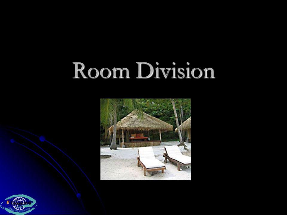 ฝ่ายห้องพัก (Room Division) ประกอบด้วย 5 แผนก คือ ประกอบด้วย 5 แผนก คือ แผนกบริการส่วนหน้า (Front Office) แผนกบริการส่วนหน้า (Front Office) แผนกบริการในเครื่องแบบ (Uniformed Service) แผนกบริการในเครื่องแบบ (Uniformed Service) แผนกสำรองห้องพัก (Reservations) แผนกสำรองห้องพัก (Reservations) แผนกโทรศัพท์ (Telephone) แผนกโทรศัพท์ (Telephone) แผนกดูแลห้องพัก (Housekeeping) แผนกดูแลห้องพัก (Housekeeping)